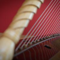 Romanesque Harp by Rainer Thurau - Photo: André Wagenzik
